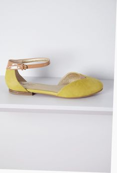 b10f78bee18 Need to have help along with tips about women s shoes. Girl Shoes Casual.