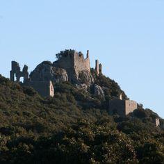 Château de Montferrand 34270 St Mathieu de Stz-Agnès, chateau au-dessus du hameau de Ste-Agnès