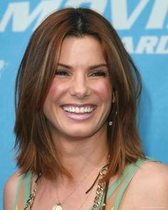 Sandra Bullock Medium Straight Cut with Bangs - Sandra Bullock Shoulder Length Hairstyles Looks - StyleBistro Celebrity Hairstyles, Trendy Hairstyles, Straight Hairstyles, Bob Hairstyles, Medium Hair Cuts, Medium Hair Styles, Short Hair Styles, Square Face Hairstyles, Hairstyles For Rectangular Faces