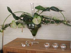 Google Afbeeldingen resultaat voor http://www.bloemenstudiopetra.nl/wp-content/gallery/bloemschikken-kerst/kerststuk-op-takken-002.jpg
