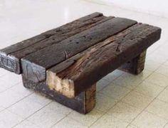 railway sleeper log as table design Rustic Coffee Tables, Rustic Table, Wood Table, Rustic Wood, Small Furniture, Rustic Furniture, Diy Furniture, Diy Wood Projects, Furniture Projects