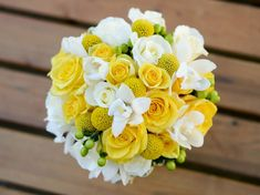 Yellow and White Bouquet with hint of green stunning for a yellow themed wedding!
