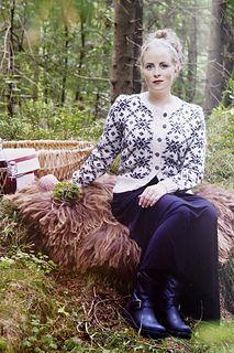Ravelry: Oddvars peneste kofte pattern by Lene Holme Samsøe og Liv Sandvik… Hand Knitting, Knitting Patterns, Knitting Ideas, Norwegian Knitting, Cardigan Design, Knit Cardigan, Color Combinations, Lace Skirt, Knit Crochet