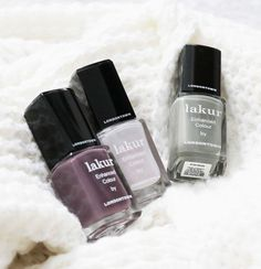 Londontown Nail Polish Lakur boasts a non-toxic 9 free formulation and I got to test them. Purple Nail Polish, Best Nail Polish, Purple Nails, Gel Polish, Opi, Essie, Long Lasting Nail Polish, Nail Hardener, Queen Nails