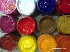 #decoracion LAS MEJORES CASAS DE MÉXICO. La pintura plástica, está compuesta por una base de agua combinada con resinas acrílicas, lo que la hace lavable. Es de las que más frecuentemente se aplica en interiores, debido a la gran gama de colores que se puede encontrar. En Grupo Sadasi, le invitamos a conocer nuestros desarrollos, donde le encantará vivir. informes@sadasi.com