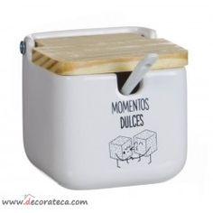 "Original azucarero con frase ""Momentos dulces"". Realizado en cerámica con tapa de madera. WWW.DECORATECA.COM"
