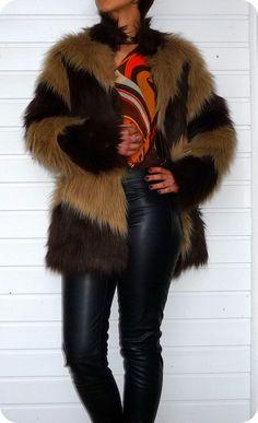 WAREHOUSE Luxus Jacke Jacket Boho XS Hippie Fake Fur Plush Cape Zick-Zack Muster in Kleidung & Accessoires, Damenmode, Jacken & Mäntel | eBay