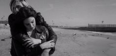 Novo single de Lana Del Rey tem marca registrada da cantora: melancolia