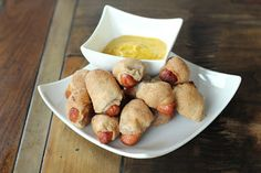 "Pigs in a Blanket NOTE: make sure the psyllium is ""powder"" not ""whole"", or her recipes won't work - cup coconut flour 2 TBSP psyllium husk powder tsp Celtic sea salt cup butter OR coconut oil, softened 1 cup boiling water Low Carbohydrate Diet, Complex Carbohydrates, Complex Carbs, Low Carb Recipes, Real Food Recipes, Paleo Recipes, Paleo Meals, Paleo Diet, Lunch Recipes"