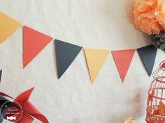 Fanions corail gris et pêche décorations des jours de fête baptême ou mariage, baby shower ou anniversaire http://www.maison-des-delices.fr/contenants-a-dragees-mariage-guirlande+fanions-1026