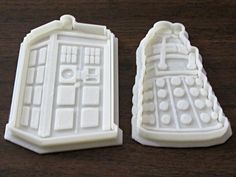 Tardis (& Dalek) cookie cutters  I must get me some of these!