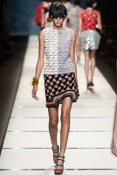 Fendi Spring 2014 Ready-to-Wear Fashion Show - Cara Delevingne