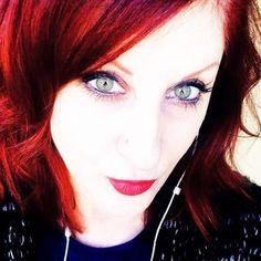 Rachel Thompson on StoryFinds Rachel Thompson, Broken People, Tag People, Twitter Tips, Interview, Social Media, Books, Authors, Writing