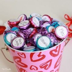 Personalized Hershey Kisses for Valentine's Day - Reasons Why I Love You #BuyFabric
