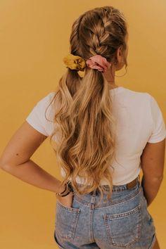The Morgan Scrunchie – Frisuren – # Frisuren The Morgan Scrunchie - Hairstyles - Medium Hair Styles, Curly Hair Styles, Natural Hair Styles, Medium Hair Tutorials, Video Tutorials, Box Braids Hairstyles, Cute Hairstyles For Medium Hair, Wedding Hairstyles, Easy Long Hairstyles
