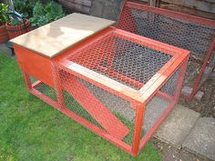so I can't have chickens but this would make the perfect quail hutch Quail House, Duck Pens, Button Quail, Diy Chicken Coop Plans, Easter Wishes, Farm Gardens, Farm Life, Farm Animals, Poultry