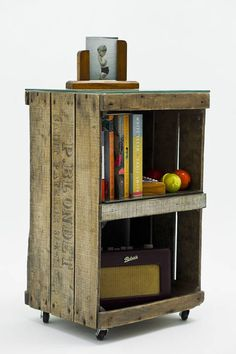 Crate side table Ines Cole