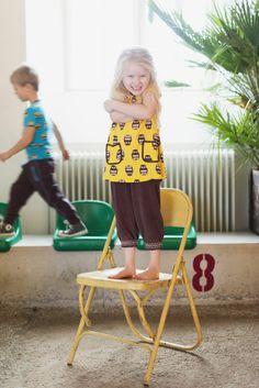 Dieses süße #gelbe #Kleidchen mit #Eulen gibts für #modische #Mädchen nur bei www.meandi.de