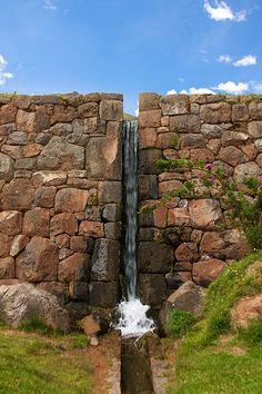 File:Peru - Cusco Sacred Valley & Incan Ruins 135 - Tipón water channeling (7100943169).jpg