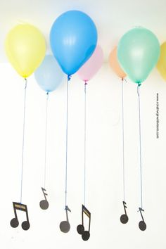 Floating Musical Notes Party Decor With Faux Helium Balloons intended for Music Note Party Decorations - Best Home & Party Decoration Ideas Music Theme Birthday, Dance Party Birthday, Music Themed Parties, Birthday Party Themes, Kids Party Music, Kids Music, Music Music, Music Icon, Music Notes Decorations