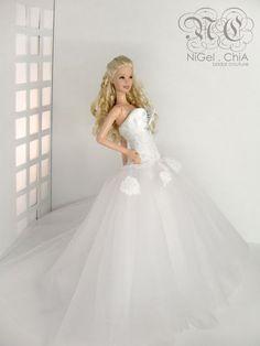 ChiA a fashion design victim: 2010 Collection- Barbie Romance Couture Barbie Bridal, Barbie Wedding Dress, Wedding Doll, Barbie Dress, Barbie Clothes, Bridal Dresses, Barbie Mode, Bride Dolls, Mini Vestidos