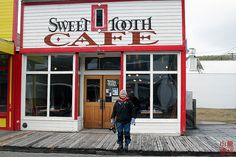 The only open place on a Sunday in Skagway, Alaska______d