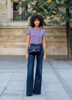 10 Style Tips On How To Wear Flare Jeans, With Awesome Outfit Ideas: Daytime Outfit – Flare Jeans With a Striped Tee Shirt