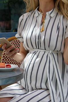 Maternity Work Clothes, Clothes For Pregnant Women, Cute Maternity Outfits, Stylish Maternity, Pregnancy Outfits, Maternity Wear, Pregnancy Photos, Pregnancy Fashion, Dress For Pregnant