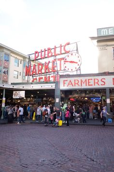Pike's Place Market - you must see this amazing public market when visiting Seattle!