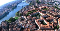 #Toulouse #Loi #PINEL Monuments, Loi Pinel, Ville Rose, France, Summertime, Mansions, House Styles, Water, Groups