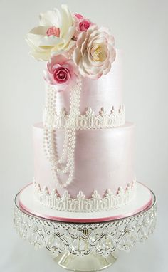 Wedding cake with Magnolias and Briar Rose sugarflowers