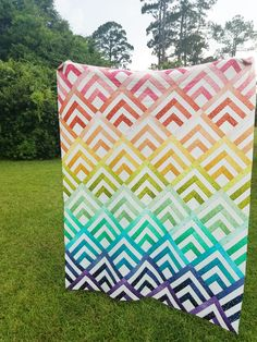 Modern quilt using V&Co Comfetti Ombre fabric - Cabin Peaks Quilt Pattern