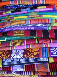 "Timor Leste (East Timor) Tourism News: The ""Tais"" - traditional Timorese weavings"