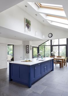 A fantastic open plan classic, hand painted kitchen. Shaker Style Kitchens, Shaker Kitchen, New Kitchen, Cool Kitchens, Kitchen Ideas, Kitchen 2016, Kitchen Reno, Kitchen Cabinets, Open Plan Kitchen Dining Living