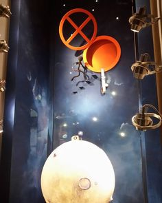 4/4 #hermes #hermesitalie #hermeswindows #windowdisplay #milan #montenapoleone #newproject #out #petitmondesvivant