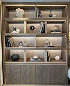Backlighting in shelves Home Library Design, Home Room Design, House Design, Neoclassical Interior, Mug Design, Muebles Living, Cupboard Design, Decoration Inspiration, Decor Ideas