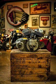 How do you like that? #engine #motorcycleengine #bikeengine #garage #workshop #motorcyclebuilding #custombikes #bikelife