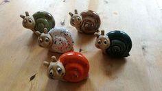 Fantastic Cost-Free pottery mugs animal Concepts kleine Schnecken Keramik Ton Töpfern Glazes For Pottery, Pottery Mugs, Pottery Art, Pottery Clay, Dinosaur Fabric, Keramik Design, Ceramics Projects, Clay Animals, Stoneware Mugs