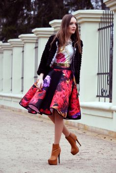 New Trend For This Spring – Midi Skirt