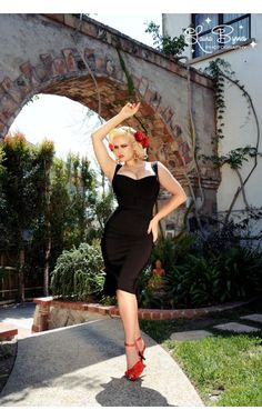 Jessica Wiggle Dress in Bombshell Black - Pinup Girl Clothing