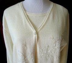 Koret Women's PRETTY Off White sweater w/sequence trim beads attached Tank EUC