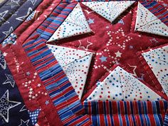 Hexagon Star w/ prairie points mysewingroomsara.blogspot.com,would make beautiful pillows for the month of july