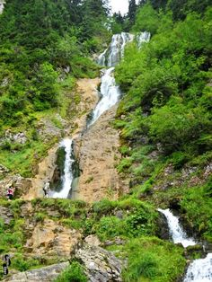 Cascada Cailor Visit Romania, Tourist Places, Amazing Nature, Drum, Places To See, Horses, River, Waterfalls, Resorts