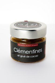 Chez O'Mà Gourmandises nous avons choisi de mélanger l'acidité de l'agrume, en mettant à l'honneur la clémentine Corse, au grué de cacao afin de travailler deux saveurs particulières. Le grué donne à la préparation du croquant et une certaine douceur propre au chocolat.