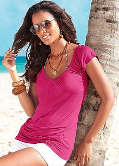 Berry Banded bottom v-neck top from VENUS. Available in sizes XS-L!