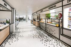 interior architects makes the new restaurant at luxury department store De Bijenkorf part of the brand experience with one simple yet bold design element. Design Café, Cafe Design, Store Design, Kiosk Design, Design Ideas, Bar Restaurant, Restaurant Design, Open Kitchen Restaurant, Utrecht