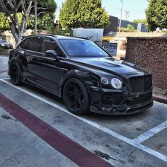 """795 Synes godt om, 5 kommentarer – RollsRoyce & Bentley Community (@rollsandbentley) på Instagram: """"I think this is the Bentayga of Lil Uzi Anyway it's dope as hell Dope or Nope? • Follow me,…"""""""