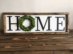 Vintage Decor Diy Home boxwood wreath farmhouse sign - Diy Christmas Decorations For Home, Easy Home Decor, Christmas Home, Christmas Lights, Christmas Ideas, Christmas Crafts, Country Farmhouse Decor, Farmhouse Signs, Farmhouse Ideas