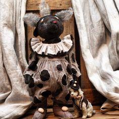 Самый большой  и, по-моему, самый добрый толстячок БоБо со своим неизменным дружочком Бубой. Дома-то они просто Борис Борисыч и Булька!)  Ростиком мишка 32 см.  Мишка уже нашёл себе дом!  #олиныклоуны