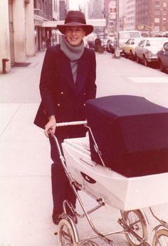 Coco Kopelman with her daughter, Jill Kargman,1974 | The Tory Blog